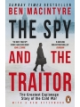 9780241972137 - Ben Macintyre: The Spy and the Traitor: The Greatest Espionage Story of the Cold War (Paperback)